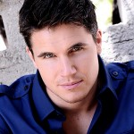 '1600 Penn's' Robbie Amell to Star in CW's 'The Tomorrow People'