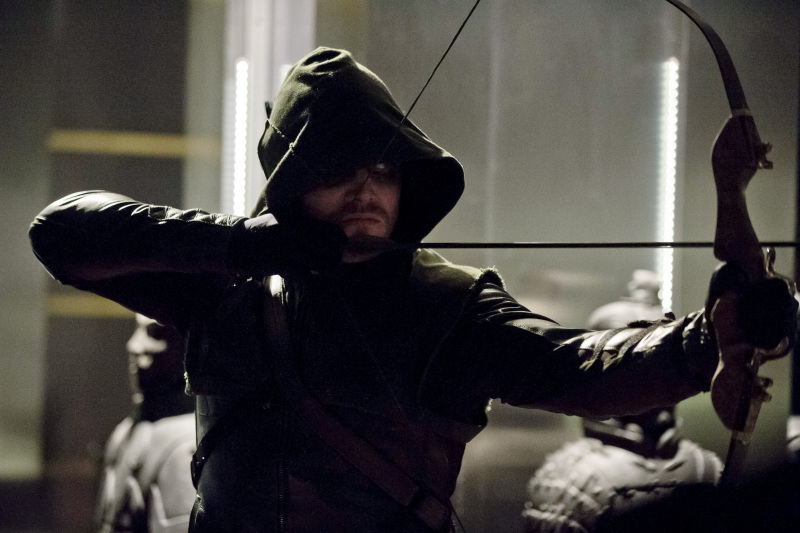 arrow-122-darknessontheedge-01