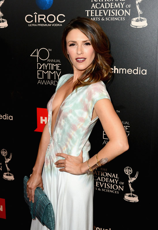 Actress Elizabeth Hendrickson (The Young and the Restless) attends The 40th Annual Daytime Emmy Awards at The Beverly Hilton Hotel on June 16, 2013 in Beverly Hills, California. - Source: Mark Davis/Getty Images North America