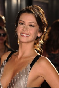 Olga Fonda joins The Vampire Diaries as Nadia, a mysterious woman Matt and Rebekah meet while traveling.