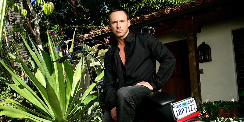 Pictured: William DeVry; Photographer: Giles Toucas