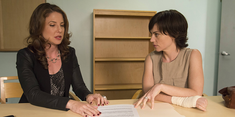 SONS OF ANARCHY Sweet and Vaded -- Episode 607 -- Airs Tuesday, October 22, 10:00 pm e/p) -- Pictured: (L-R) Ally Lowen as Robin Weigert, Maggie Siff as Tara Knowles -- CR: Prashant Gupta/FX