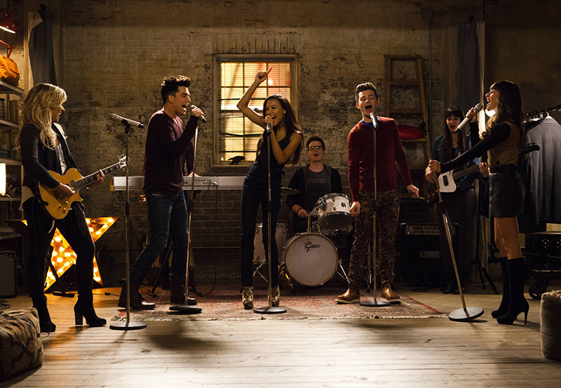"GLEE: L-R: Dani (guest star Demi Lovato), Elliot ""Starchild"" (guest star Adam Lambert), Santana (Naya Rivera), Kurt (Chris Colfer) and Rachel (Lea Michele) perform in the ""A Katy or a Gaga"" episode of GLEE airing Thursday, Nov. 7 (9:00-10:00 PM ET/PT) on FOX. ©2013 Fox Broadcasting Co. CR: Adam Rose/FOX"