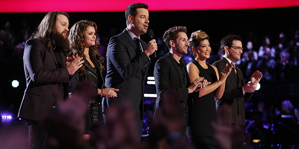 "THE VOICE -- ""Live Show"" Episode 518B -- Pictured: (l-r) Cole Vosbury, Jacquie Lee, Carson Daly, Will Champlin, Tessanne Chin, James Wolpert -- (Photo by: Trae Patton/NBC)"