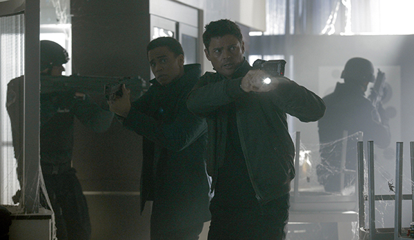 """ALMOST HUMAN: Det. John Kennex (Karl Urban, R) and Dorian (Michael Ealy, L) in the """"Simon Says"""" episode of ALMOST HUMAN airing Monday, Jan. 6 (8:00-9:00 PM ET/PT) on FOX. ©2013 Fox Broadcasting Co. Cr: Katie Yu / FOX"""