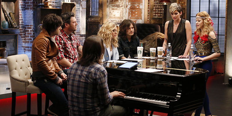 "THE VOICE -- ""Team Blake Battle Reality"" Episode 608 -- Pictured: (l-r) Blake Shelton with Neil, Kimberly, and Reid Perry from The Band Perry, Megan Ruger, Ria Eaton -- (Photo by: Trae Patton/NBC)"