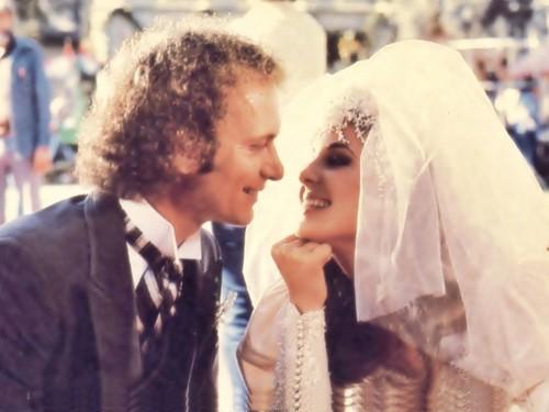 Luke-and-Laura-Wedding-general-hospital-80s-26326422-500-375