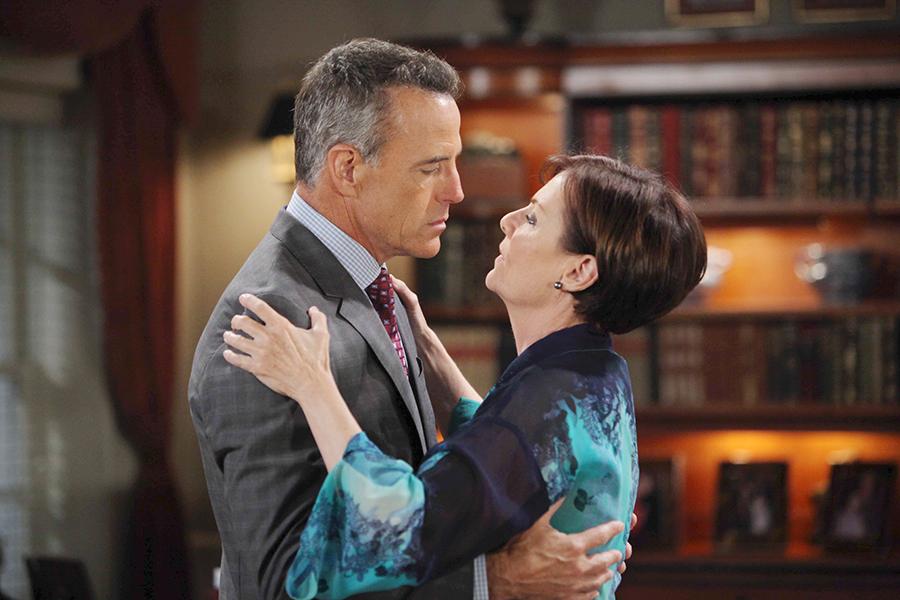 Can Tracy (Jane Elliot) trust Paul ( Richard Burgi). Photo Credit: © Howard Wise/jpistudios.com