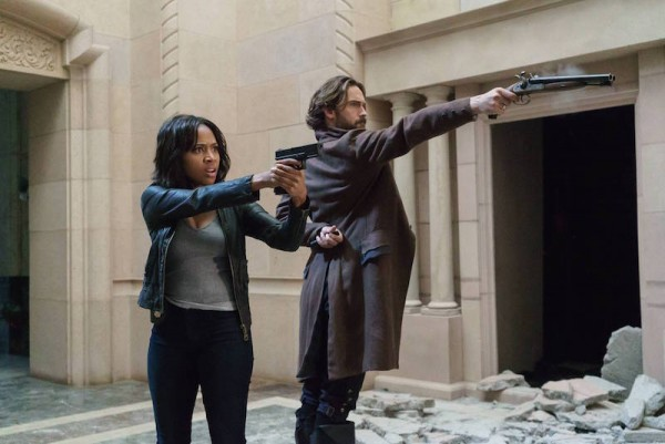 """SLEEPY HOLLOW: L-R: Nicole Beharie and Tom Mison in the """"Dead Men Tell No Tales"""" episode of SLEEPY HOLLOW airing Thursday, Oct. 29 (9:00-10PM ET/PT) on FOX. ©2015 Fox Broadcasting Co. Cr: Tina Rowden/FOX."""