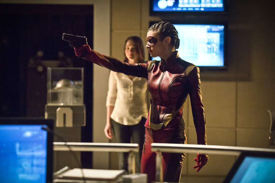 "The Flash -- ""Trajectory"" -- Image FLA216b_0046b -- Pictured (L-R): Violett Beane as Jesse and Allison Paige as Trajectory -- Photo: Katie Yu/The CW -- © 2016 The CW Network, LLC. All rights reserved"