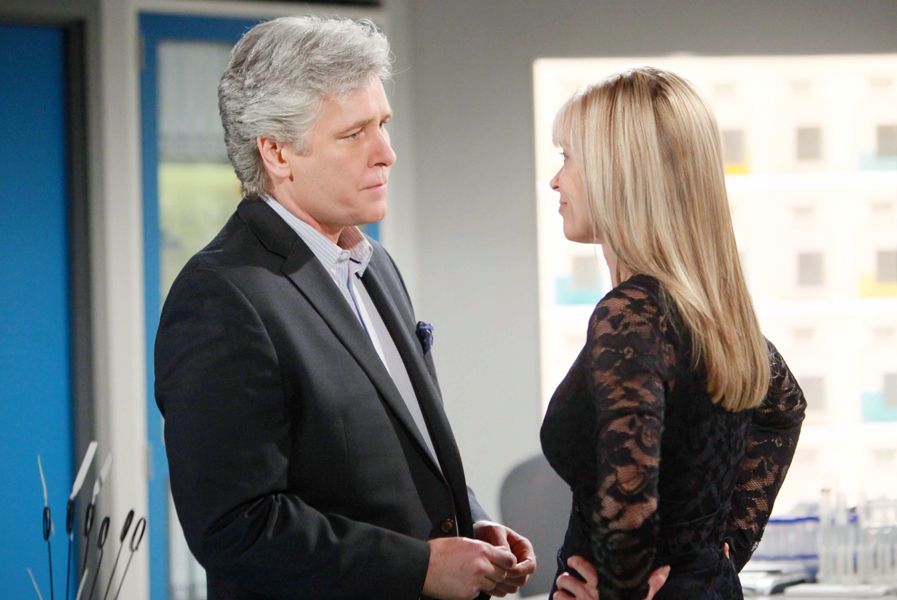 """Michael E Knight, Eileen Davidson """"The Young and the Restless"""" Set  CBS television City Los Angeles 02/11/16 © Howard Wise/jpistudios.com 310-657-9661 Episode # 10883 U.S. Airdate 03/22/16"""