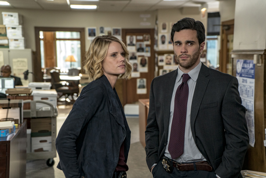 "CHICAGO P.D. -- ""Justice"" Episode 321 -- Pictured: (l-r) Ryan-James Hatanaka as Daren Okada, Joelle Carter as Laura Nagel -- (Photo by: Matt Dinerstein/NBC)"