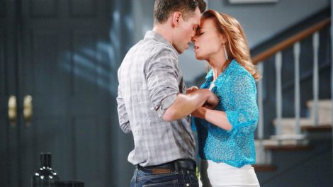 """Gina Tognoni, Jason Thompson """"The Young and the Restless"""" Set  CBS television City Los Angeles 05/17/16 © Howard Wise/jpistudios.com 310-657-9661 Episode # 10946 U.S. Airdate 06/17/16"""