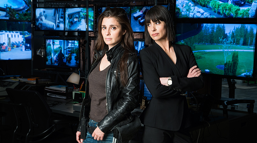 (L to R) Shiri Appleby and Constance Zimmer star in Season 2 UnREAL. Photo by James Dittiger Copyright 2016