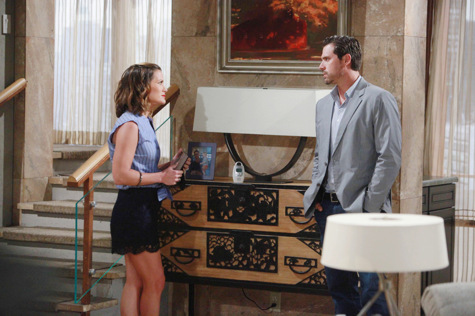 """Joshua Morrow, Melissa Claire Egan """"The Young and the Restless"""" Set  CBS television City Los Angeles 06/23/16 © Howard Wise/jpistudios.com 310-657-9661 Episode # 10978 U.S. Airdate 08/02/16"""