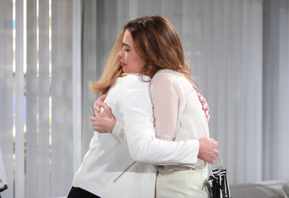 Amelia Heinle, Melody Thomas Scott