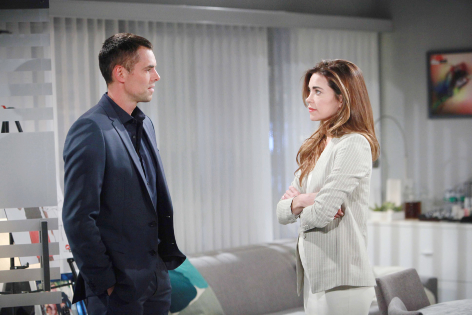 Jason Thompson, Amelia Heinle
