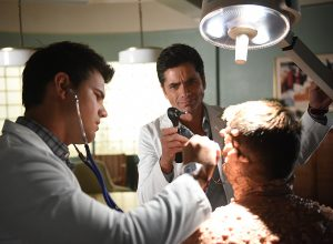 "SCREAM QUEENS: L-R: Taylor Lautner, John Stamos and Colton Haynes in the all-new ""Warts and All"" episode of SCREAM QUEENS airing Tuesday, Sep. 27 (9:01-10:00 PM ET/PT) on FOX. Cr: Michael Becker / FOX. © 2016 FOX Broadcasting Co."