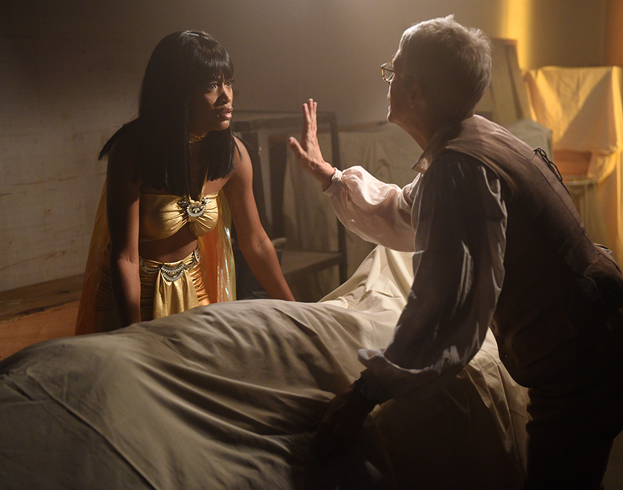 "Scream Queens: L-R: Keke Palmer and Jamie Lee Curtis in the all-new ""Chanel Pour Homme-Icide"" episode of SCREAM QUEENS airing Tuesday, Nov. 1 (9:00-10:00 PM ET/PT) on FOX. Cr: Michael Becker / FOX. © 2016 FOX Broadcasting Co."