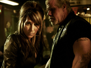 Katey Sagal and Ron Perlman