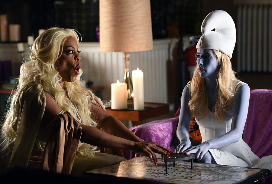 """SCREAM QUEENS: L-R: Niecy Nash and Emma Roberts in the all-new """"Halloween Blues"""" episode of SCREAM QUEENS airing Tuesday, Oct. 18 (9:01-10:00 PM ET/PT) on FOX. Cr: Michael Becker / FOX. © 2016 FOX Broadcasting Co."""