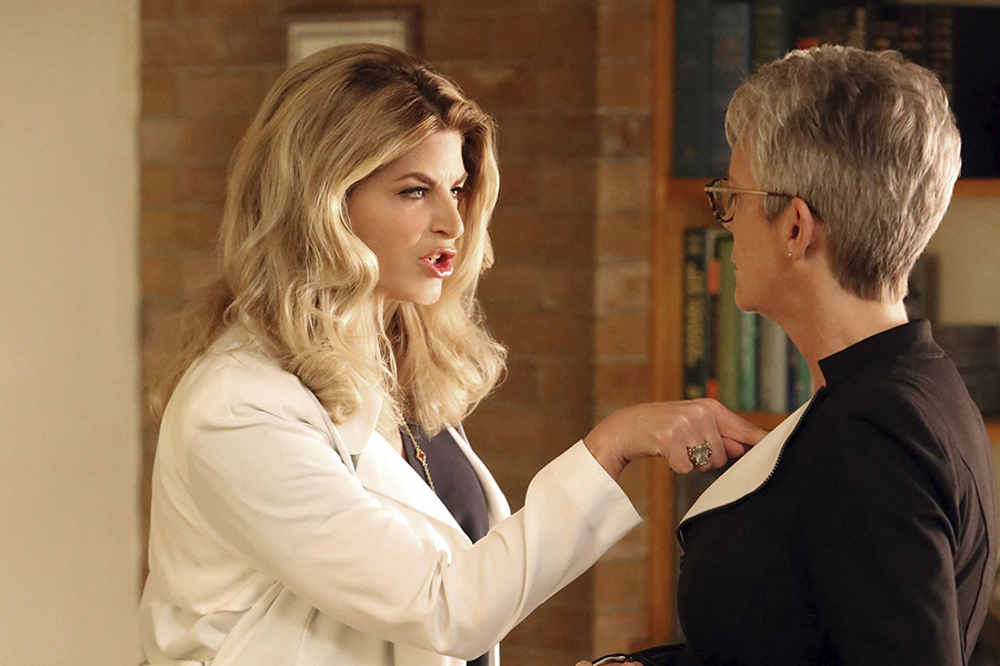 """Scream Queens: L-R: Kirstie Alley and Jamie Lee Curtis in the all-new """"Chanel Pour Homme-Icide"""" episode of SCREAM QUEENS airing Tuesday, Nov. 1 (9:00-10:00 PM ET/PT) on FOX. Cr: Michael Becker / FOX. © 2016 FOX Broadcasting Co."""