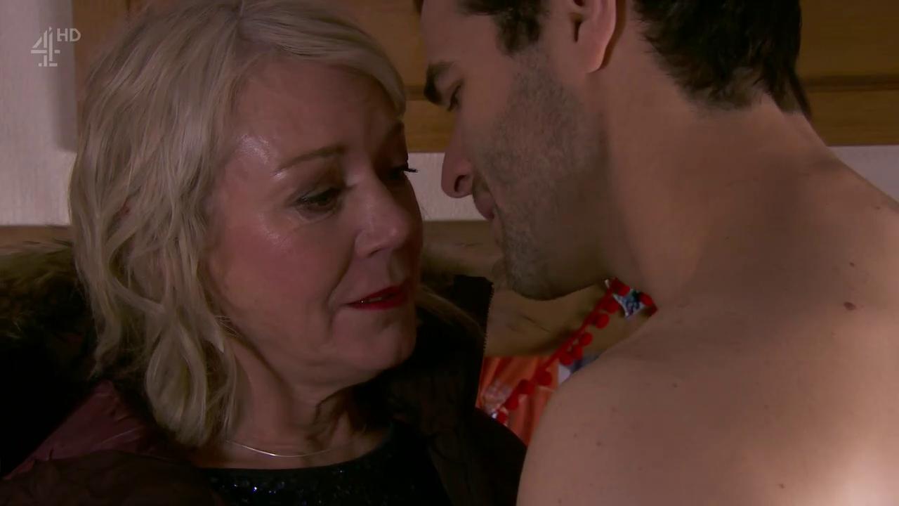 Frankie gets steamy with Diego.