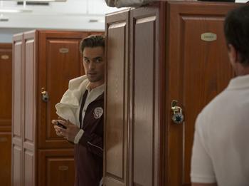 WHITE COLLAR -- Episode 403 -- Pictured: Matt Bomer as Neal Caffrey